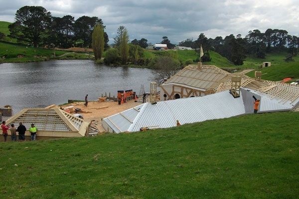 custom_roof_image_hobbiton_feature